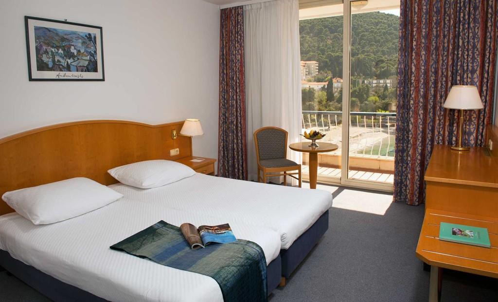 Dubrovnik-Hotel-Kompas-camera