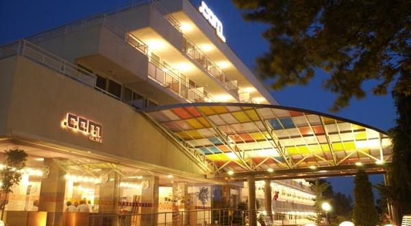 COM  HOTEL 3*