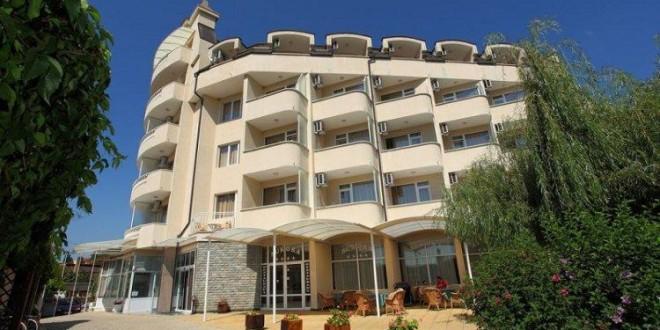 AURORA  HOTEL 3*